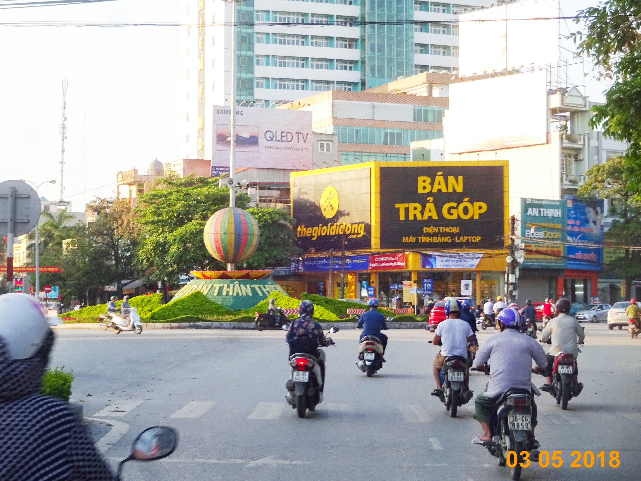 Ad position outdoor millionaire route ba Trieu-Thanh Chemistry